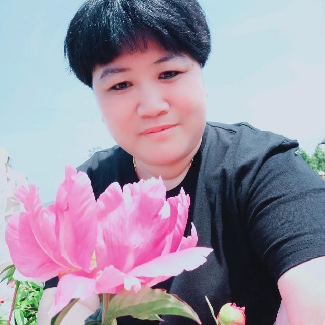 一曲红尘(无和声版)(热度:33)由徐宝玲翻唱,原唱歌手郭少杰