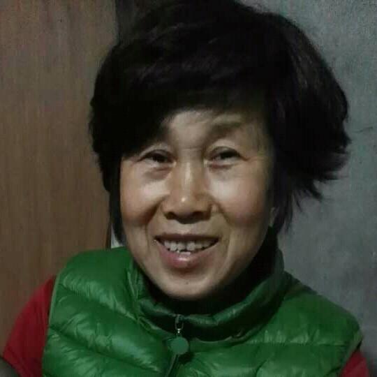 望月(热度:40)由事事顺心翻唱,原唱歌手刘紫玲