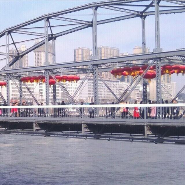 走天涯(广场舞版)(热度:49)由君芳翻唱,原唱歌手降央卓玛