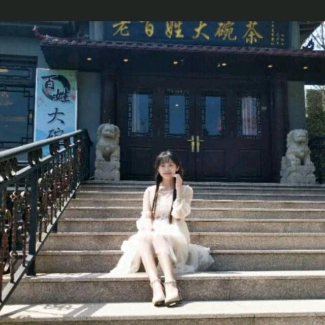 落雨的秋(热度:128)由明月翻唱,原唱歌手孙晓雨